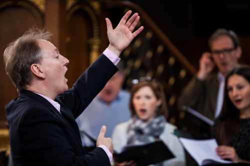 St Andrew Holborn Rehearsal 33 - Tenebrae May 2015 - credit Ben McKee (800x533)