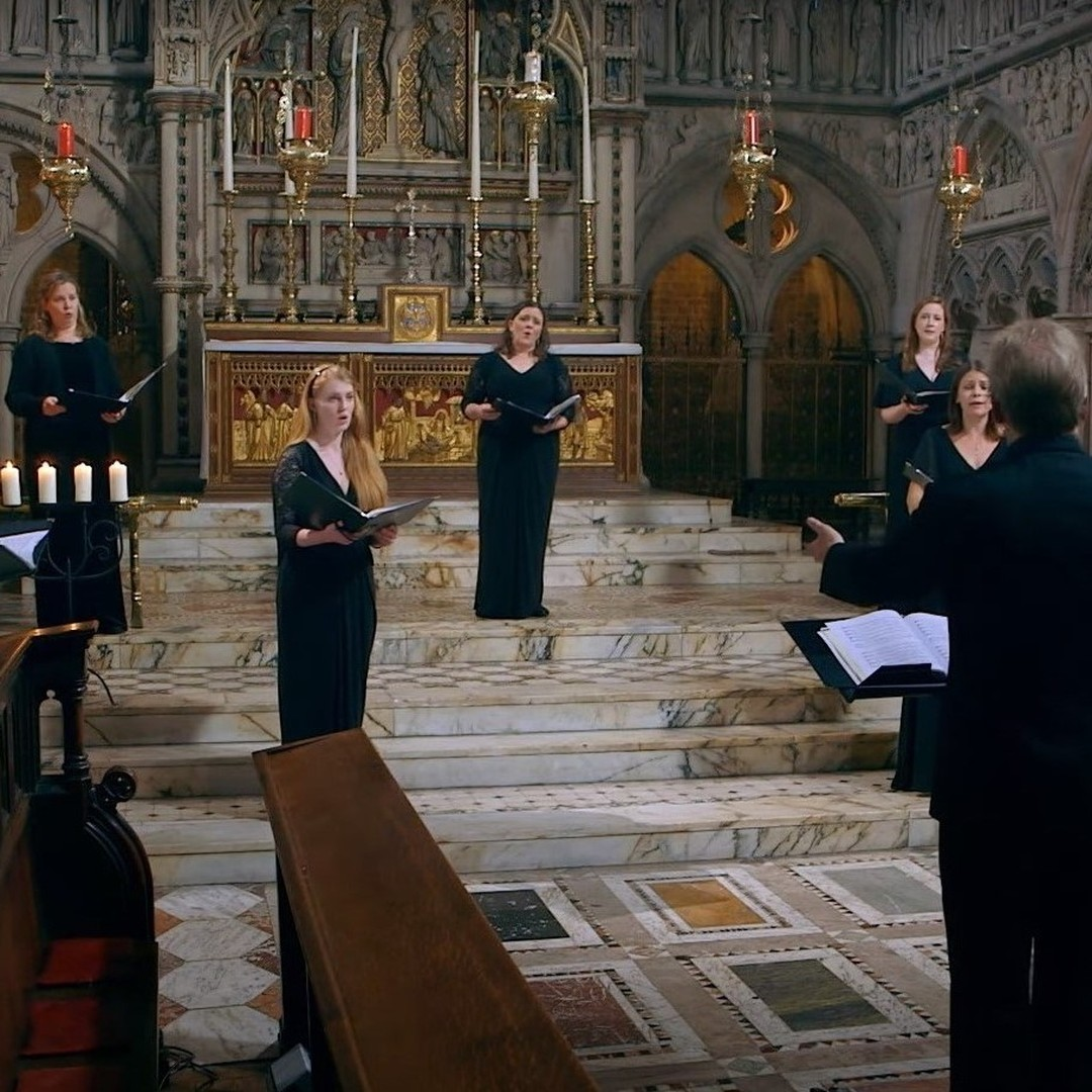 #nigelshort interviews @binghamcomposer about her captivating piece 'The Drowned Lovers' on our latest #tenebraeunlocked film. ..Available at https://is.gd/5xzPP3..#interview #composer #musicofthespheres #tenebrae #choir #singing #concertsonfilm